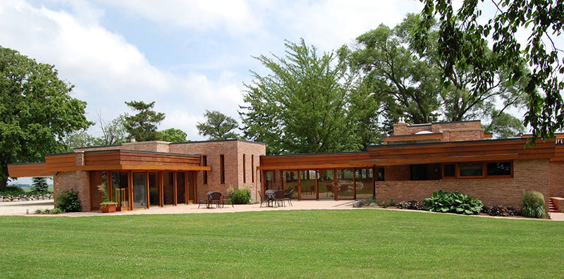 frank-lloyd-wright-farmhouse